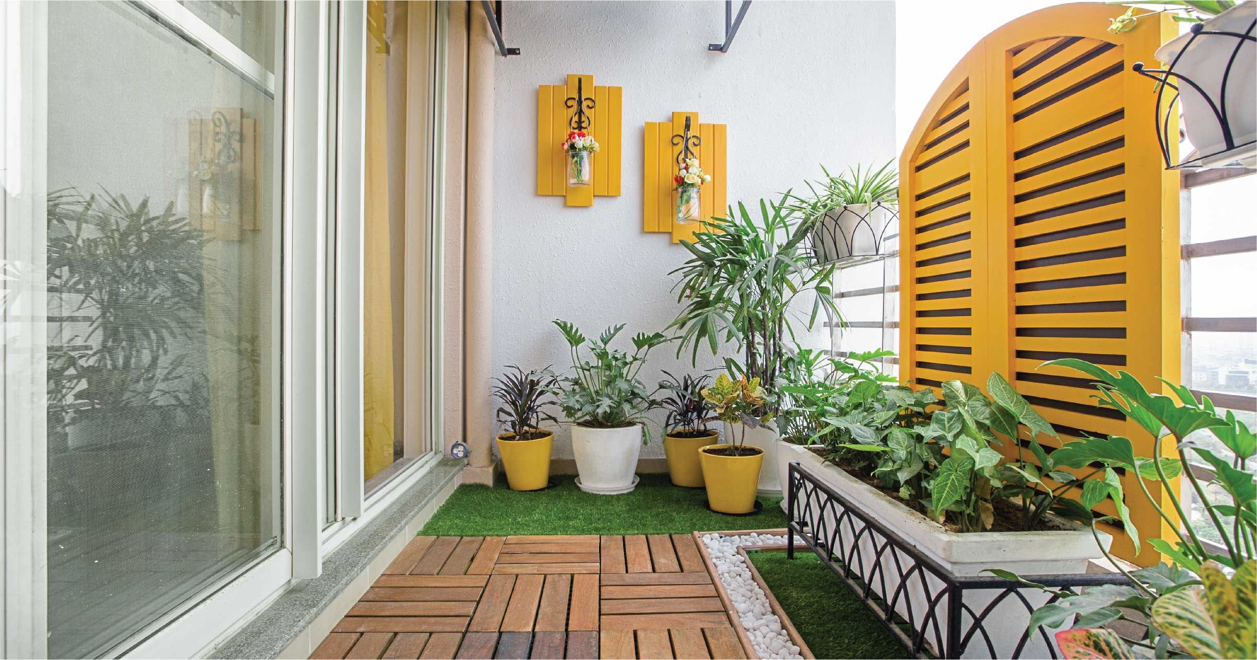 How to Set Up a Stunning Balcony That's Low on Maintenance