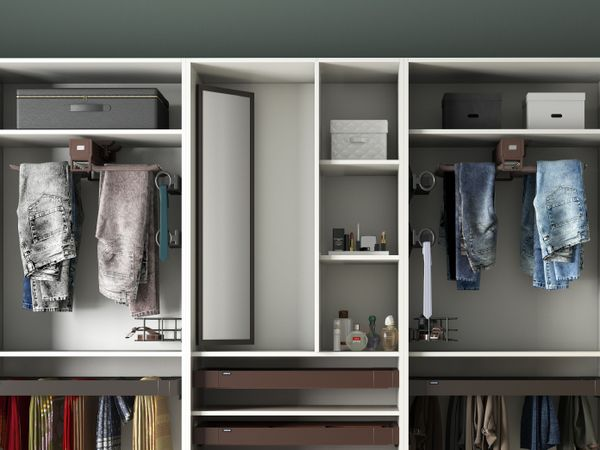 Pull-out Dressing Mirror